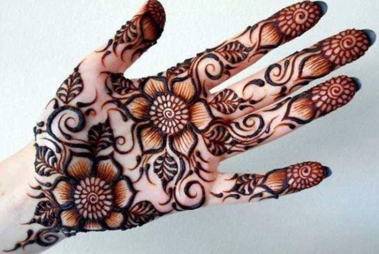 cara melukis tangan dengan henna simple
